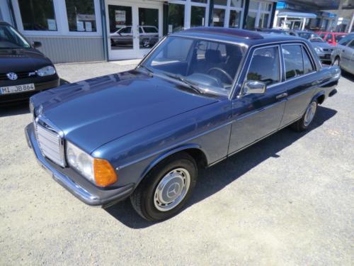 W123Blau-1