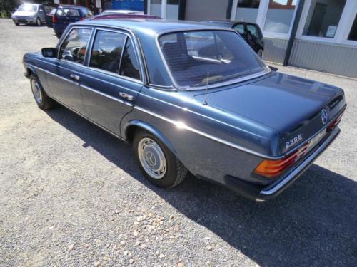 W123Blau-4